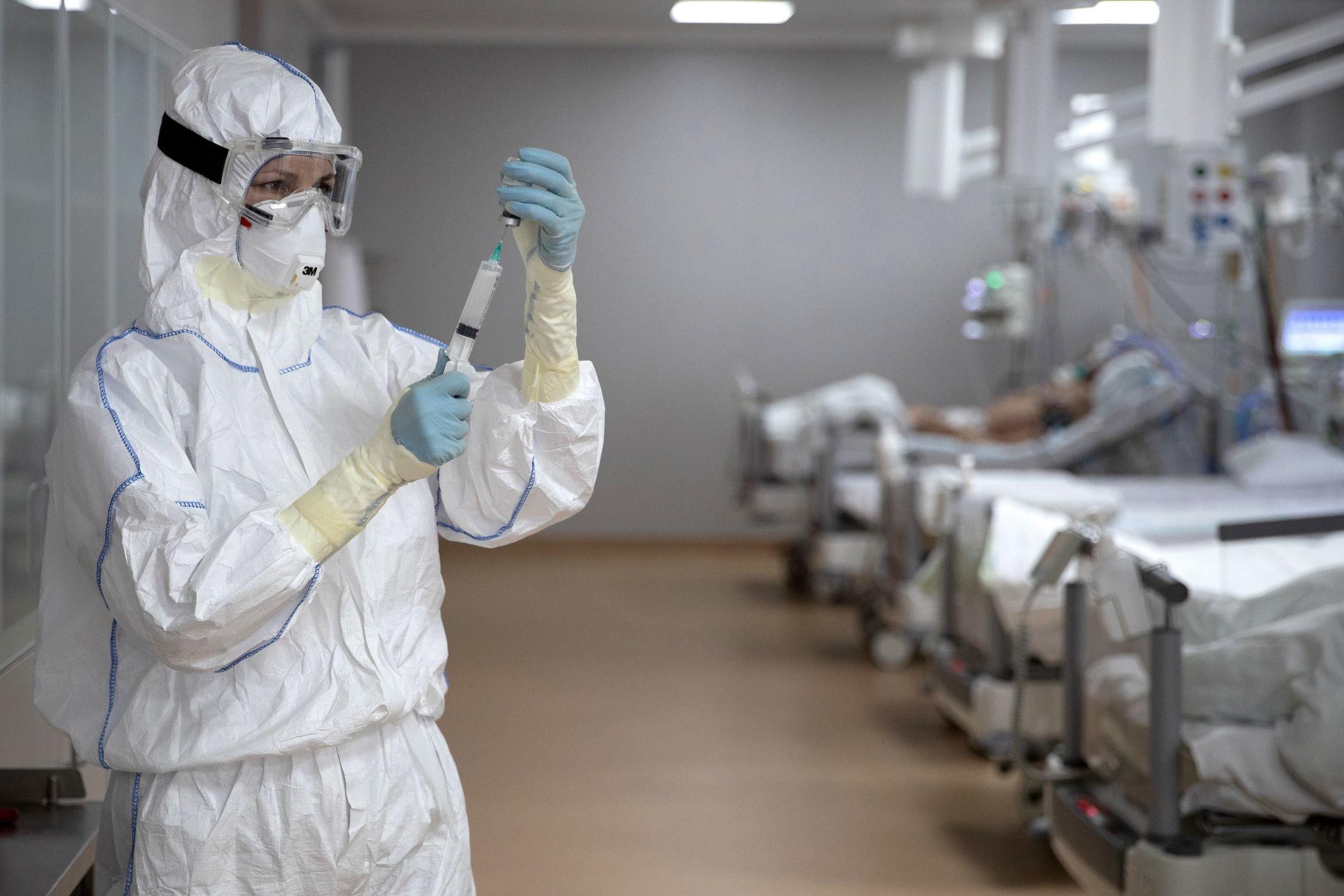 Упродовж минулої доби виявлено 96 випадків COVID-19. Про це інформують у департаменті охорони здоров'я Закарпатської ОДА.