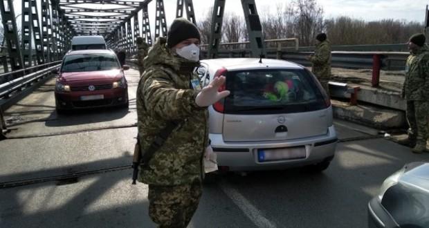 Громадян останньої дивує таке рішення, бо за минулу добу в країні зареєстрували лише 21 хворого на коронавірус, а на Закарпатті цей показник становить 64 особи, а в цілому по Україні – 1172.