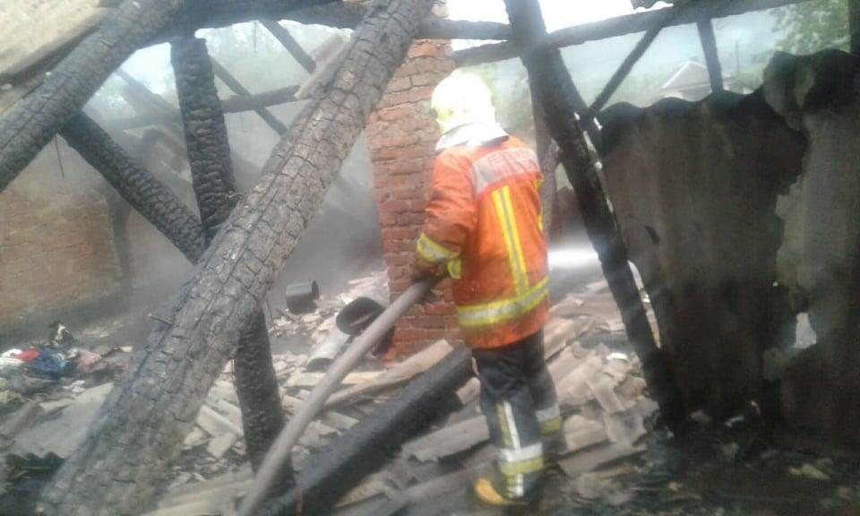 Пожежа сталася у житловому будинку в Малому Березному близько 3-ї години ночі.