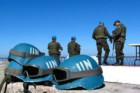 40 країн готові брати участь у миротворчій операції на Донбасі, - Порошенко