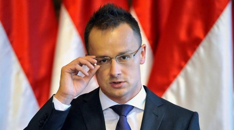 Глава МЗС Угорщини виступив проти відновлення Україною військової частини вБерегові