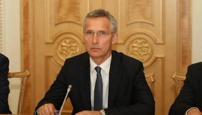 Україна і Угорщина мають самі вирішити свої двосторонні питання, заявив генсек НАТО Йенс Столтенберг.