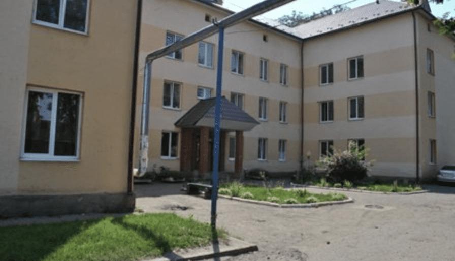 22 лікарів та значна кількість медсестер змушені були піти з роботи Тячівської лікарні.