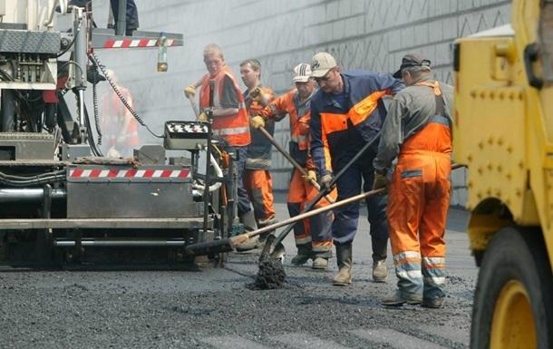 В Україні з наступного року будуть встановлені тільки два види ремонтів доріг - капітальний і поточний.