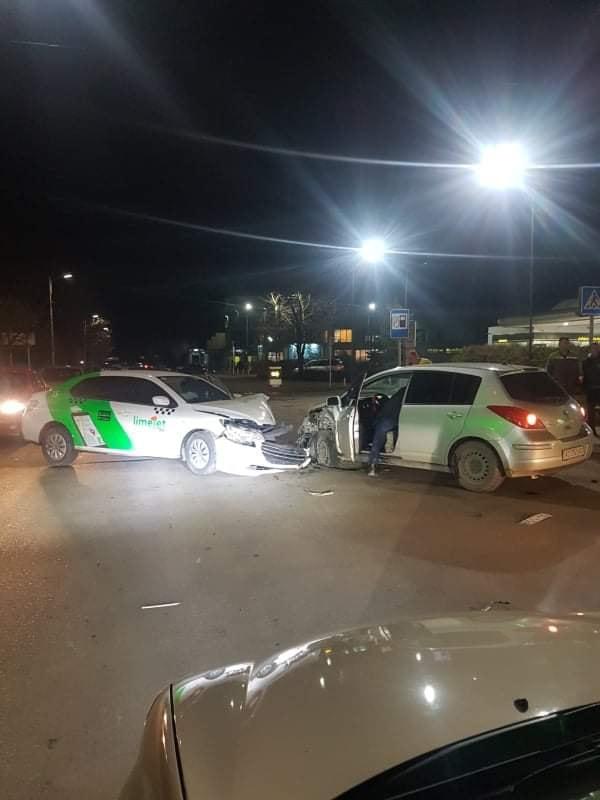 Дорожньо-транспортна пригода трапилася по вулиці Можайського в Ужгороді.