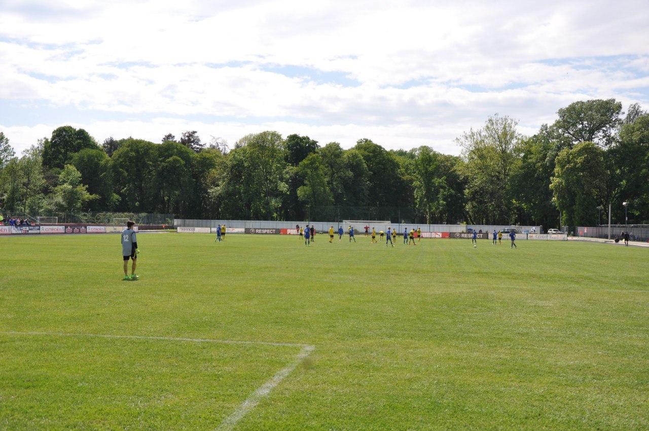 У суботу відбудуться матчі Вищої ліги, а в неділю відіграє Перша ліга ДЮФЛ України.