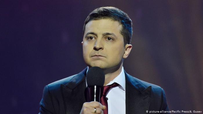 У новоспеченого політика запевняють, що ведуть кампанію власними силами, не мають зв'язку із олігархом Ігорем Коломойським та обіцяють ставити владі завдання на референдумах.