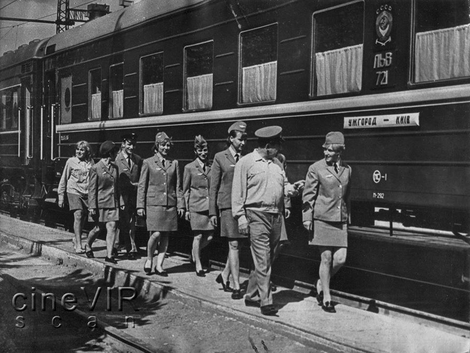 Потяг курсував з Ужгорода до Києва.