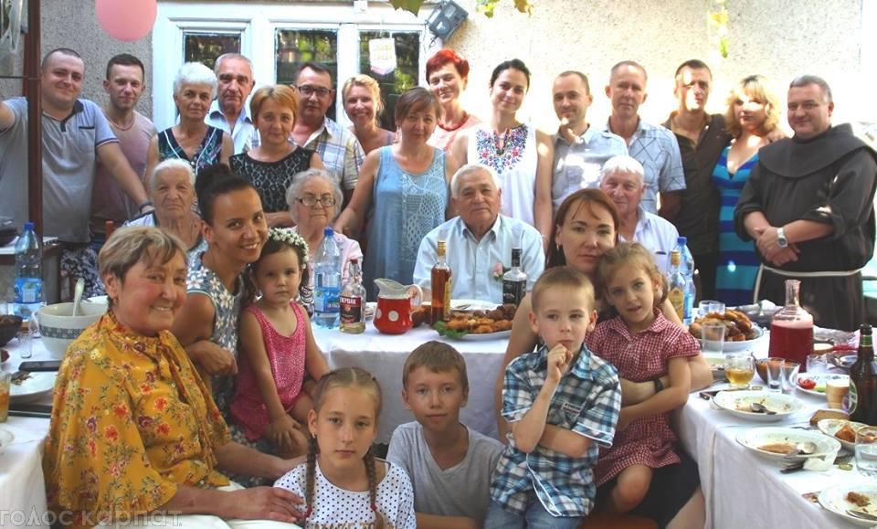 Закарпатські молодята з 60-річним стажем. Секрет їхнього сімейного довголіття (ФОТО, ВІДЕО)