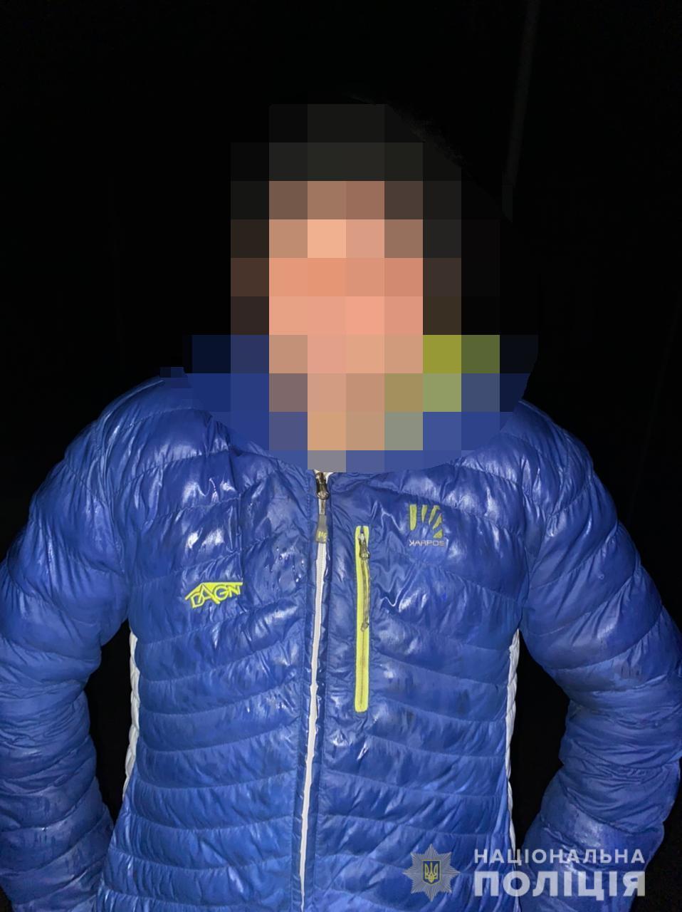 Один із яких викрав бензопилу в жителя села Берегуйфалу, а інший обікрав чоловіка в сусідньому селі Нижні Ремети. За фактами крадіжок відкриті кримінальні провадження.