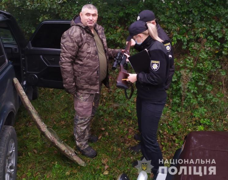 Поліцейські Великоберезнянщини перевірили готовність мисливців перед початком сезону полювання.