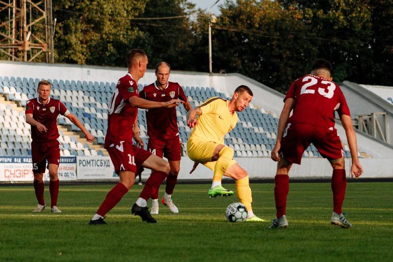 20 вересня ужгородська команда здобула виїзну перемогу над чернівецькою «Буковиною» (0:1) і стала одноосібним лідером групи А Другої ліги України з футболу сезону 2020/21.