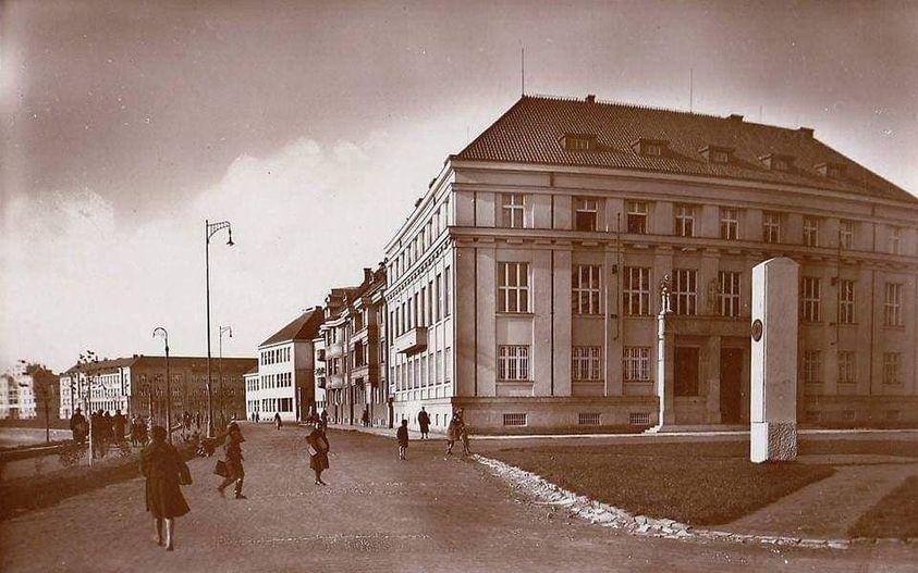 Уникальная черно-белая фотография прошлых лет была размещена в группе Ужгород.