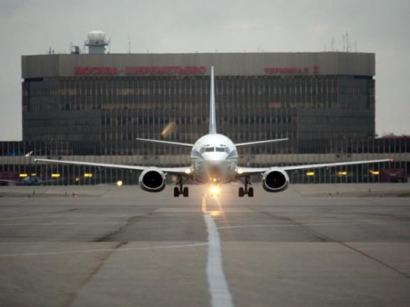У московському аеропорту літак роздавив людину
