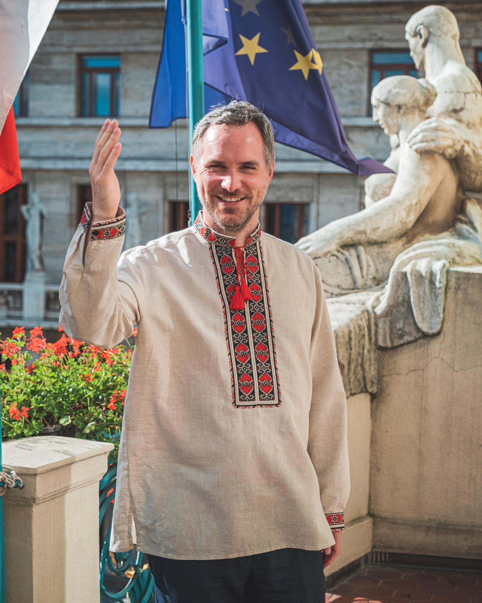 Сьогодні, 24 серпня, Україна відзнає всоє 30-річчя з дня, коли у 1991 році Україна здобула незалежність. тож з нагоди свята мер Чеського міста Прага у соцмережі написав привітання з нагоди свята.