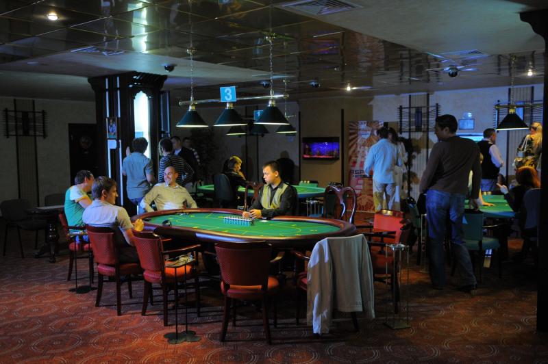 Владелец подпольного казино какие карты в казино