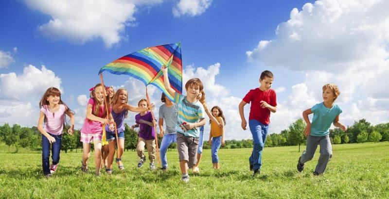 Чим зайняти дитину влітку: цікаві ідеї для закарпатських батьків