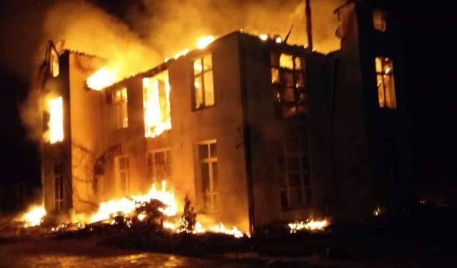 На допомогу у ліквідації пожежі залучалася пожежники із добровільної бригади Дерцена.