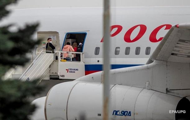 У Чехії виявили бойовиків, які воювали проти України на Донбасі, а глава МЗС країни заявив про готовність видворити всіх російських дипломатів.