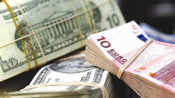 НБУ на30 серпня зміцнив курс гривні до25,44 грн/долар
