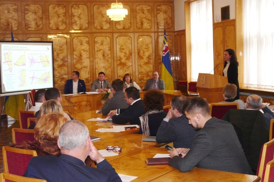 У середу, 4 грудня, в облдержадміністрації відбулася нарада з питань розроблення інтегрованої стратегії просторового розвитку територій уздовж державного кордону України та Польщі.