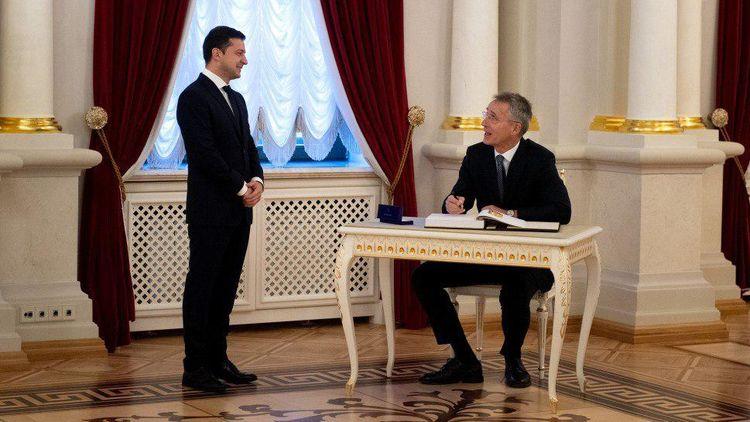 В Україну прибув генеральний секретар НАТО Йенс Столтенберг. Сьогодні вранці в Києві відбулася його зустріч з Володимиром Зеленським, а 30 жовтня він відвідав Одесу.