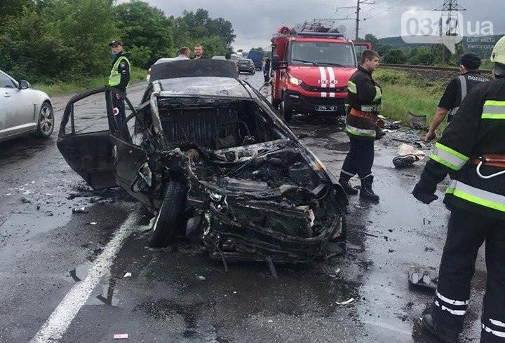 Сьогодні, 20 червня, близько 17 години трапилася ДТП в Ужгородському районі перед селом Кам'яниця на трасі Ужгород-Перечин.