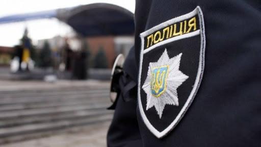 Жінка, яка випала з четвертого поверху Виноградівської лікарні, померла у реанімації.