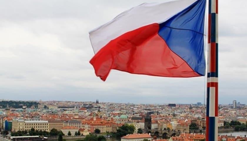 Генпрокурор Чехії Павло Земан скасував рішення про припинення справи прем'єра А. Бабіша та його експертки з питань субсидій Яни Маєрової за звинуваченнями в шахрайстві, пов'язаному з субсидіями ЄС.