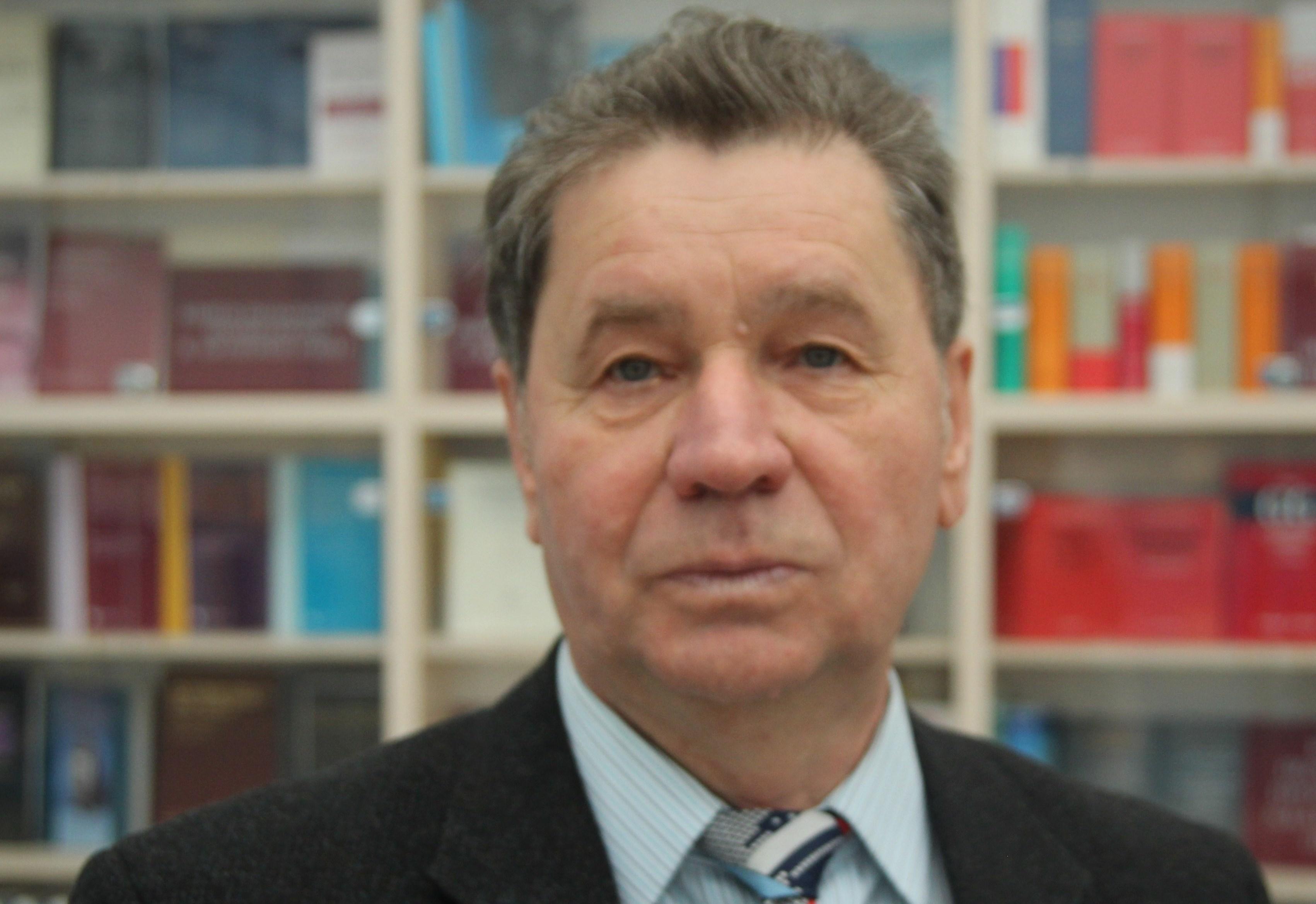 Офіційно працевлаштовані в Угорщині українці компенсують витрати на соцвиплати пенсіонерам України – експерт
