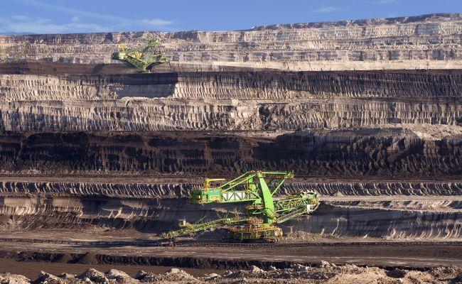 Польща зобов'язана сплачувати Європейській комісії щоденну пеню у розмірі 500 тисяч євро, оскільки вона не припинила видобуток бурого вугілля на шахті Турув, про що просила Чехія.