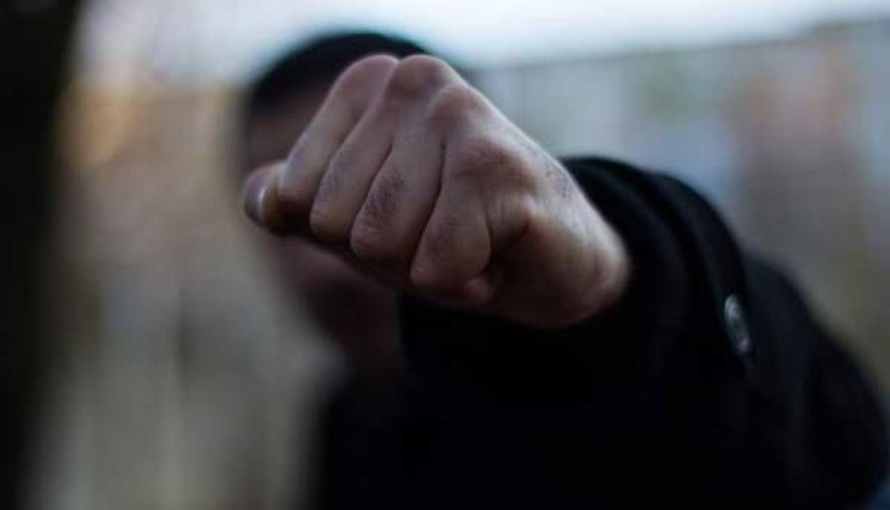 Зловмисник скоїв напад на виноградівця, відібравши в нього гроші та мобільний, та тривалий час ухилявся від органів суду.