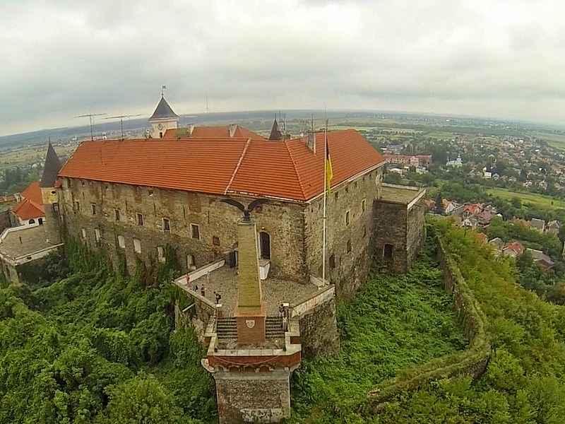 В течение карантина гиды из разных городов Украины будут проводить виртуальные путешествия своими городами.