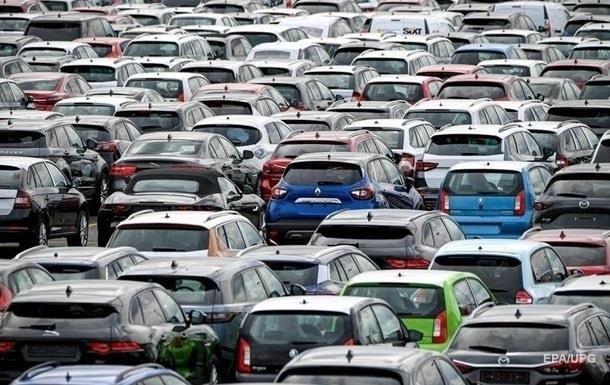 Сума акцизного податку залежатиме від віку автомобіля, об'єму і типу двигуна. Втім, на неї не впливатиме вартість машини.