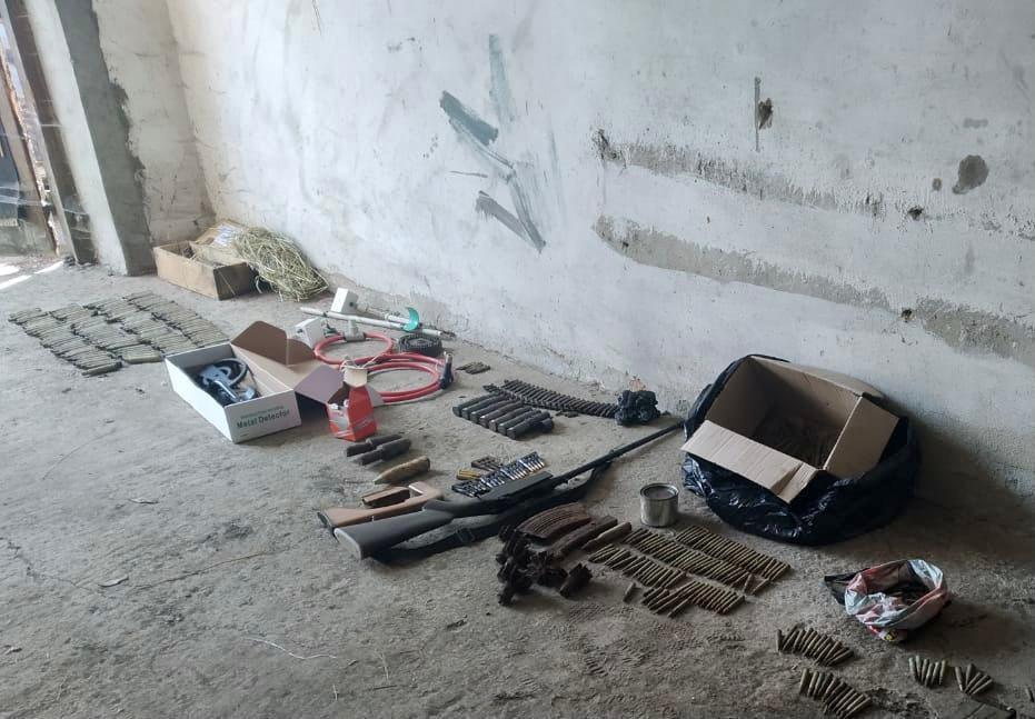 Поліцейські Воловця викрили мешканця одного з сіл Мукачівського району на незаконному зберіганні небезпечних предметів.