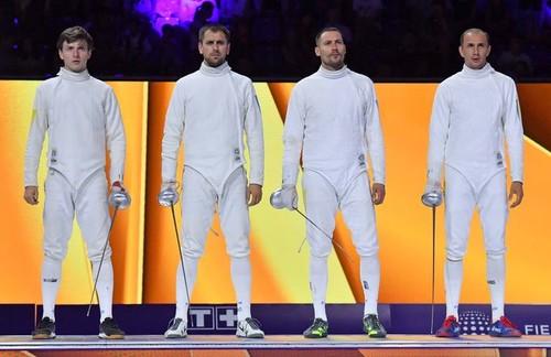 Команда України з фехтування на шпагах серед чоловіків виграла срібні медалі чемпіонату світу, який проходить у Будапешті.