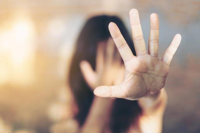 В Ужгороді прокуратура погодила підозру у зґвалтуванні нападнику на 17-річну дівчину.