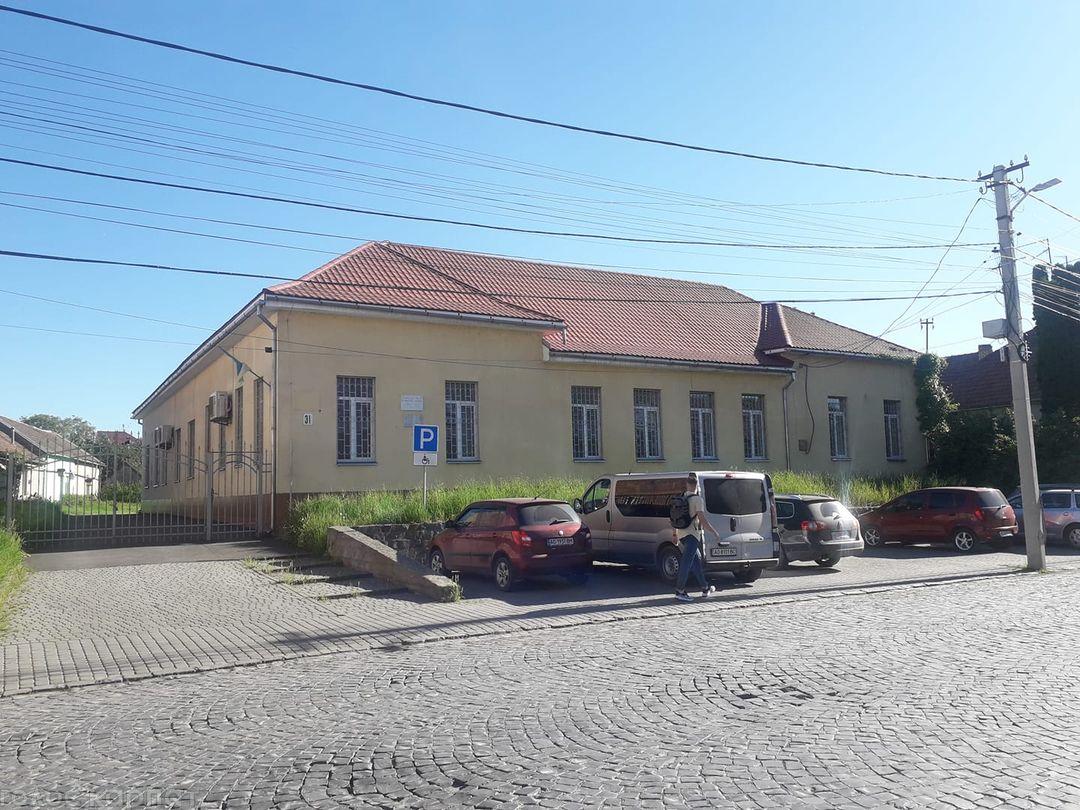 Підрозділ розташують у середмісті Мукачева у будівлі, де раніше функціонувало Управління соцзахисту, на вулиці Валенберга.