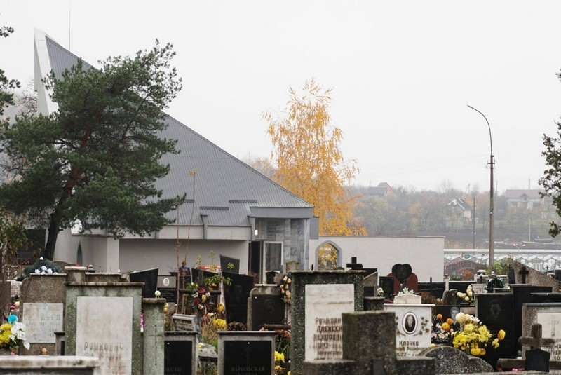 Всі кладовища міста Мукачева та шести прилеглих сіл будуть зачинені для відвідування (крім проведення поховань).