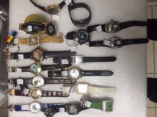 УКиївській області вилучили партію контрабандних годинників на400 млн гривень