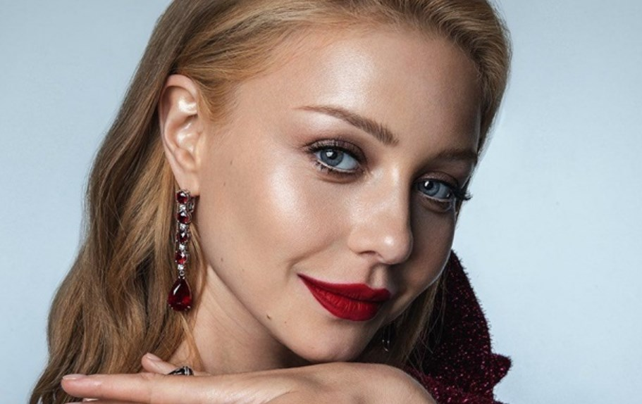 Тіна Кароль знялась для відомого глянцю Vogue Ukraine.