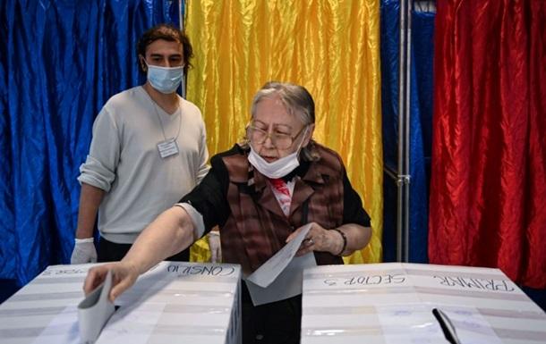 У Алімана було двоє суперників, але з 1600 зареєстрованих в Девеселу виборців 1020 проголосували за померлого мера.