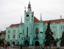 У Мукачеві депутати збирались на сесію міськради (ВІДЕО)