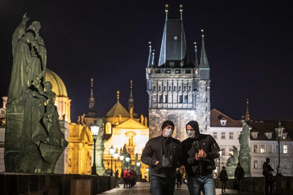 В Чеській Республіці зафіксували на 3355 випадків менше, ніж тиждень тому.