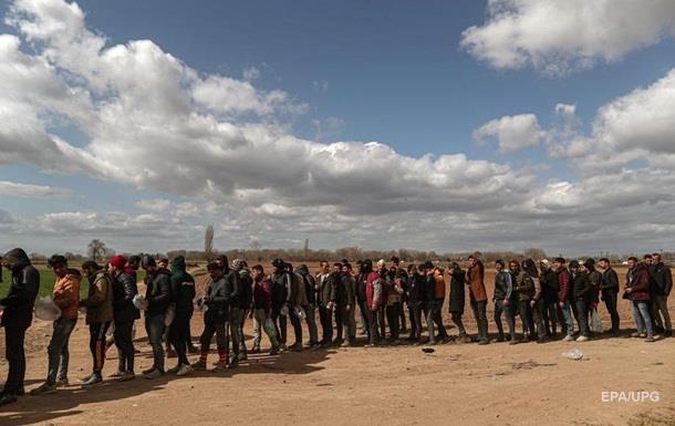Тимчасові споруди зможуть вмістити тисячу біженців. При цьому підтримка держави буде обмежена, заявив грецький міністр міграції.