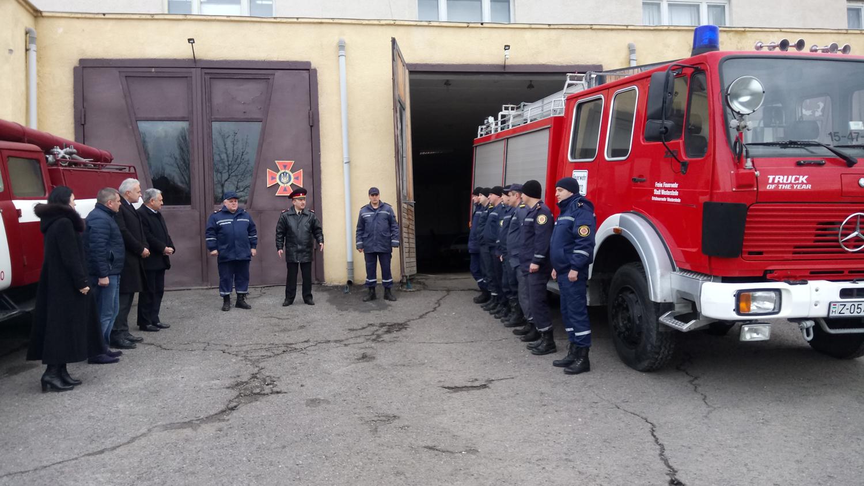 Берегівські рятувальники отримали в подарунок машину