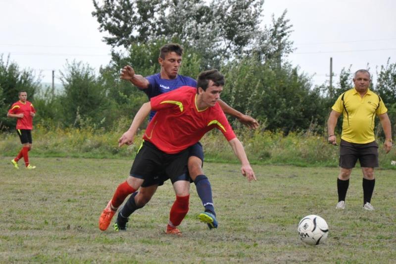 У неділю, 23 серпня, відбулися поєдинки другого туру чемпіонату Ужгородського району з футболу 2020.