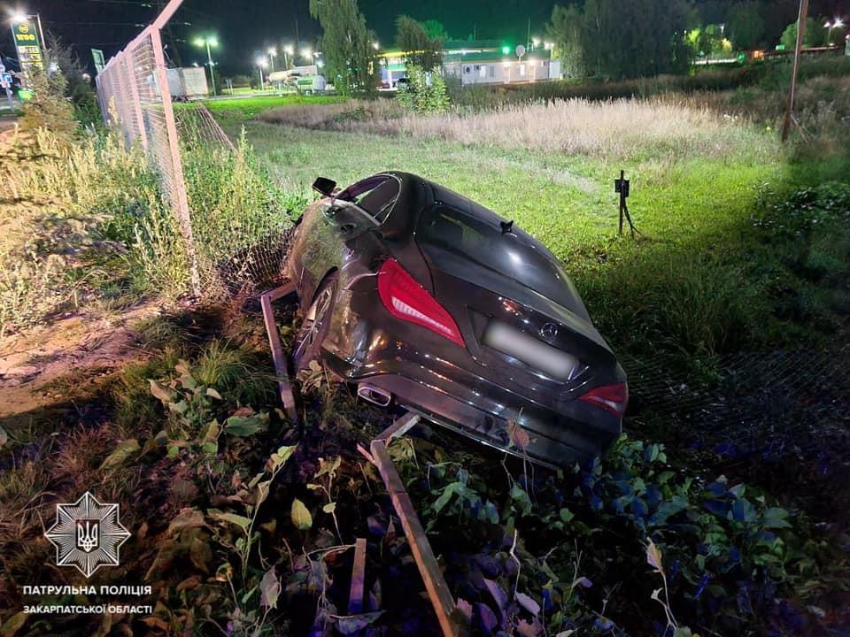 Автопригода трапилася сьогодні, на вулиці Пряшівській, в Мукачеві. Близько півночі інспектори отримали виклик про ДТП.