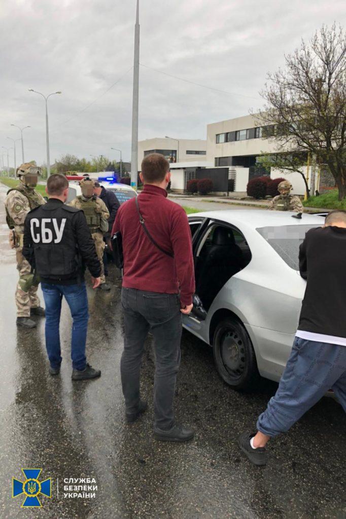 Служба безпеки України повідомила про затримання підозрюваних у поширенні антиугорських листівок у Берегові.