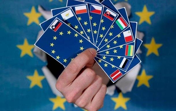 Четвертий рік поспіль наші співгромадяни отримують найбільше посвідок на проживання в ЄС. На другому і третьому місці - громадяни Марокко та Індії, відповідно. Найбільше українців прийняла Польща.